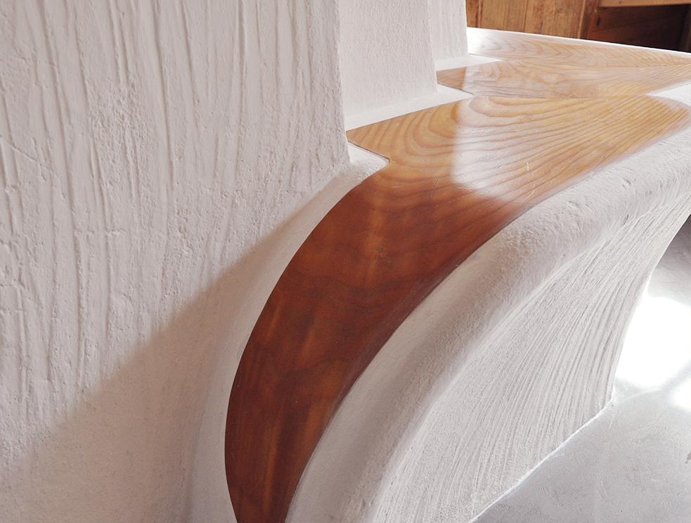 particolare panca in legno di larice